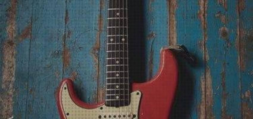 Andoer/® Vitoos Mini Auriculares Amp Amplificador Enchufe de Guitarra El/éctrica Heavy Rock Compacto Port/átil